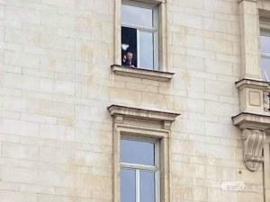 Валери Симеонов показа среден пръст на протестиращите ресторантьори
