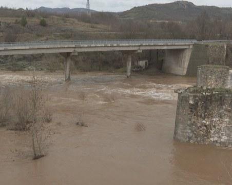 Повишени нива на реки и язовири в Кърджалийско след дъжда