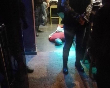 Удар на полицията! Разбиха бардак в къща за гости, проститутки и клиентите им са арестувани
