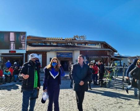 Министърът на туризма очаква ски сезонът да продължи до средата на април