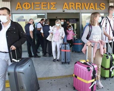 Седемдневна карантина при влизане в Гърция, ако нямате отрицателен PCR тест