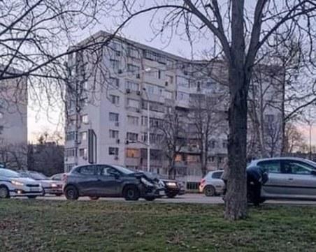 Дрогиран с три вида наркотици се вряза в автобусна спирка във Варна
