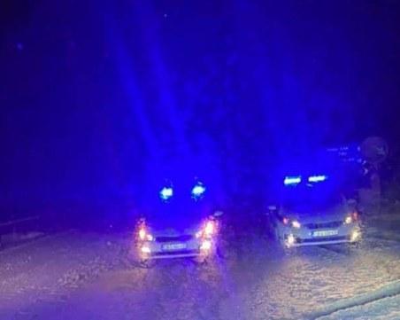 Снегът затвори магистрала