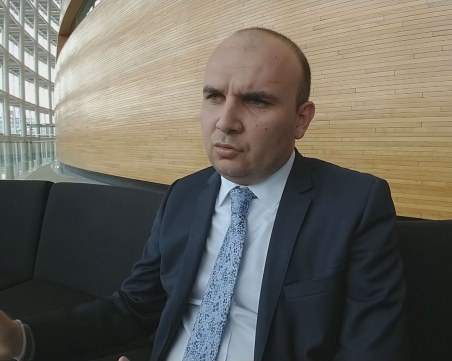 Евродепутат от ДПС: Една партия трудно би се справила с проблемите на страната