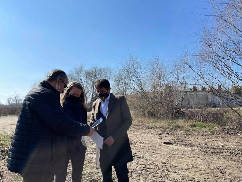 Изграждат нов водопровод в квартал на Стамболийски