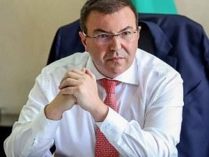 Здравният министър: Само в България тече диалог за