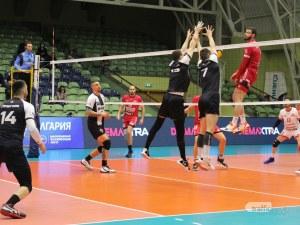Волейболистите на Локо изиграха страхотен мач, но изпуснаха да изхвърлят шампиона Нефтохимик за Купата
