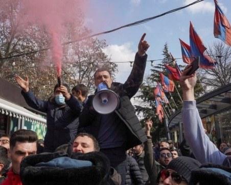 Смут в Армения: Премиерът обвинява армията в опит за преврат