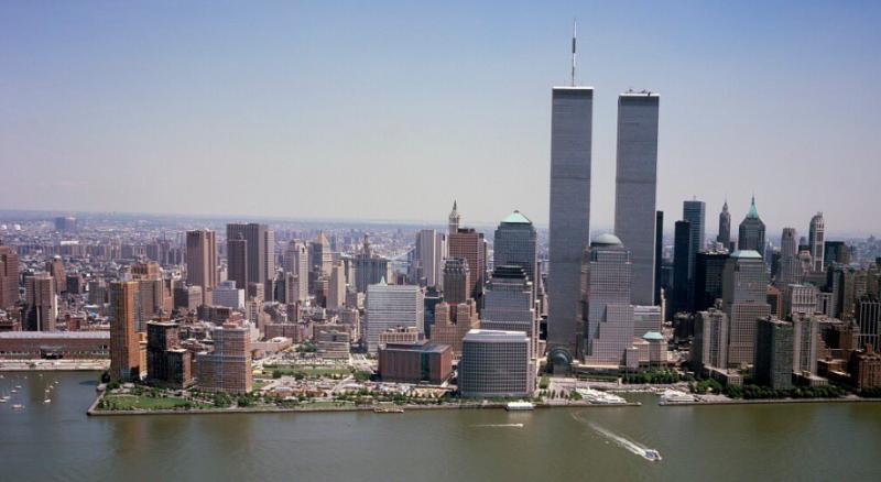 На този ден: Първият атентат срещу кулите близнаци, започва производството на