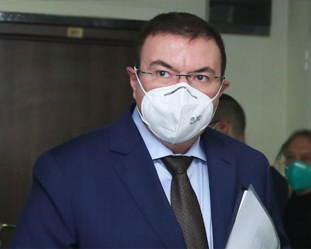 Ангелов разпореди проверки в две болници заради нарушение