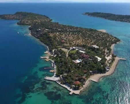 Продават за милиони част от Егейските Малдиви