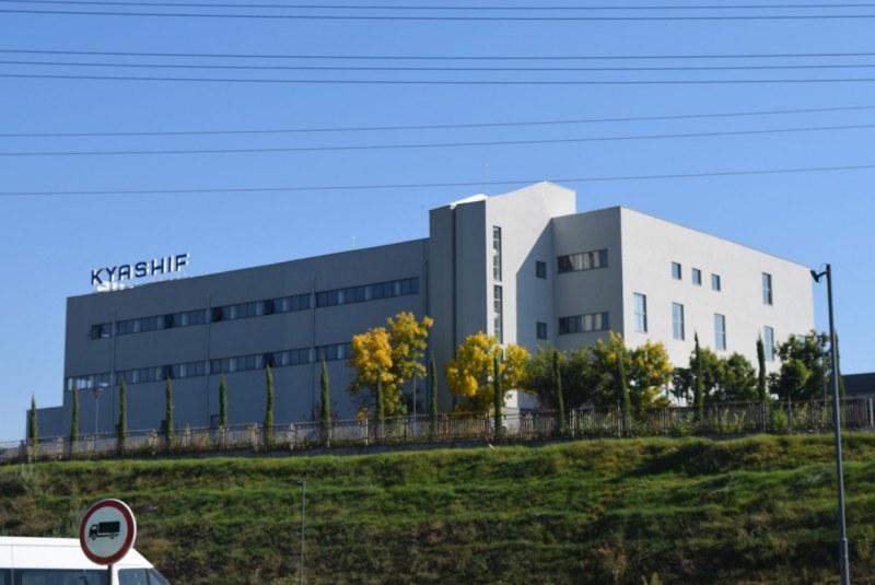 Бързоразвиваща се компания набира персонал за нов завод