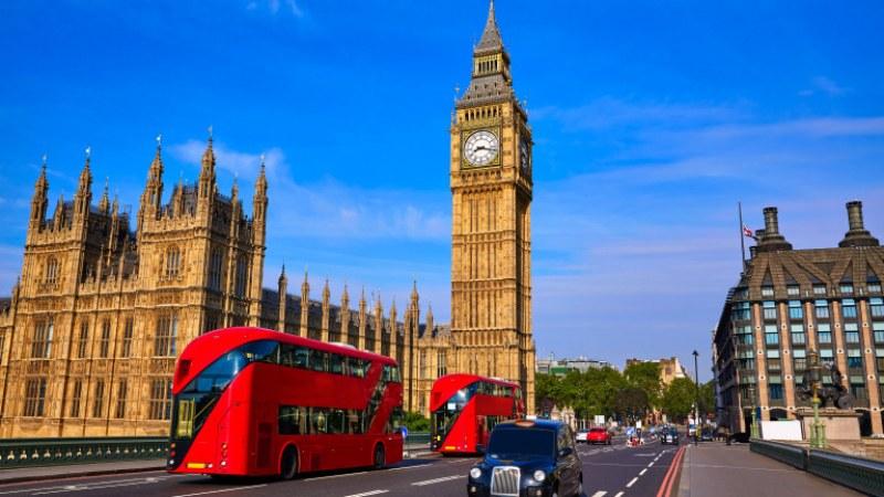 Хиляди могат да загубят право да пребивават във Великобритания заради Covid-19
