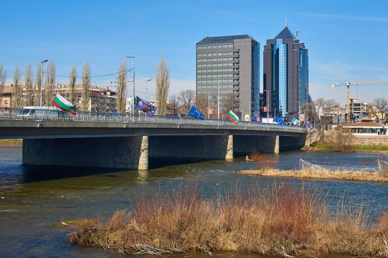 Слънце и до 18 градуса в Пловдив за Националния празник
