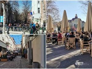 Живот кипи в центъра на Пловдив! Заведенията на Главната – пълни