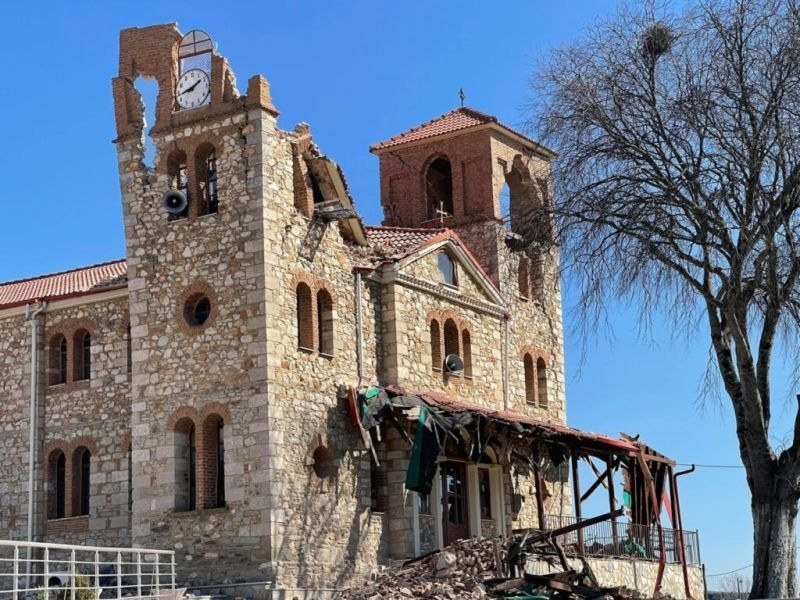 Вторичните трусове в Гърция не спират, нанесени са щети по сградите