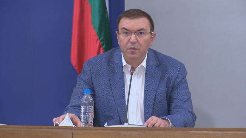 Ангелов: Покачването на случаите е заради британския щам, заразяването е много по-бързо