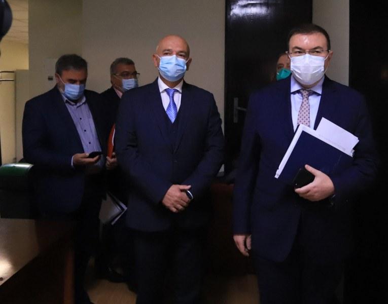 Проф. Ангелов: Кординатната точка на политиците трябва да е здравето, а не изборите