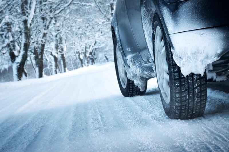 АПИ: Шофьорите да подготвят колите за зимни условия!