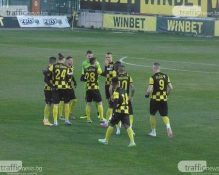 Маркиньос и Атанас Илиев повеждат атаката на Ботев срещу Левски