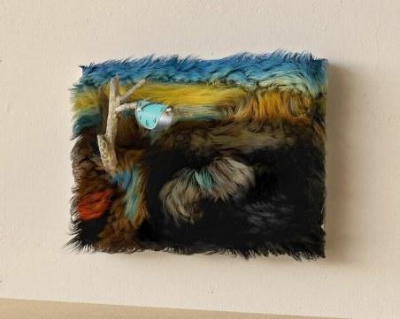 Художник преобрази известни картини чрез … козина