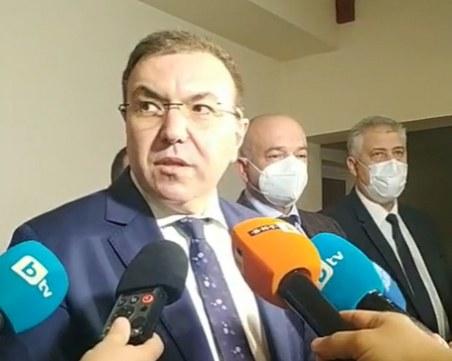 Костадин Ангелов: Обмисляме ограничения за областите с висока заболеваемост