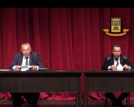 За 13 минути работа общинските съветници в Пловдив си разделиха 16 400 лева