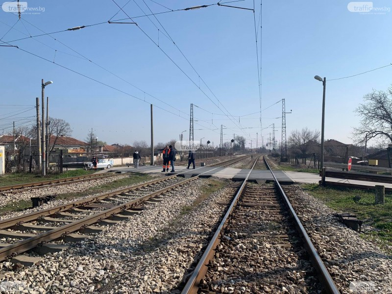 Версия: Замръзнали стъкла довели до катастрофата на жп прелез в Скутаре