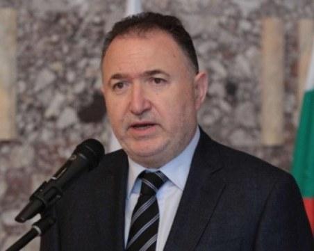 Кметът на Карлово: Маските на открито стават задължителни