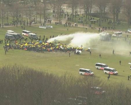 Нови протести в Нидерландия, стотици скочиха срещу локдауна
