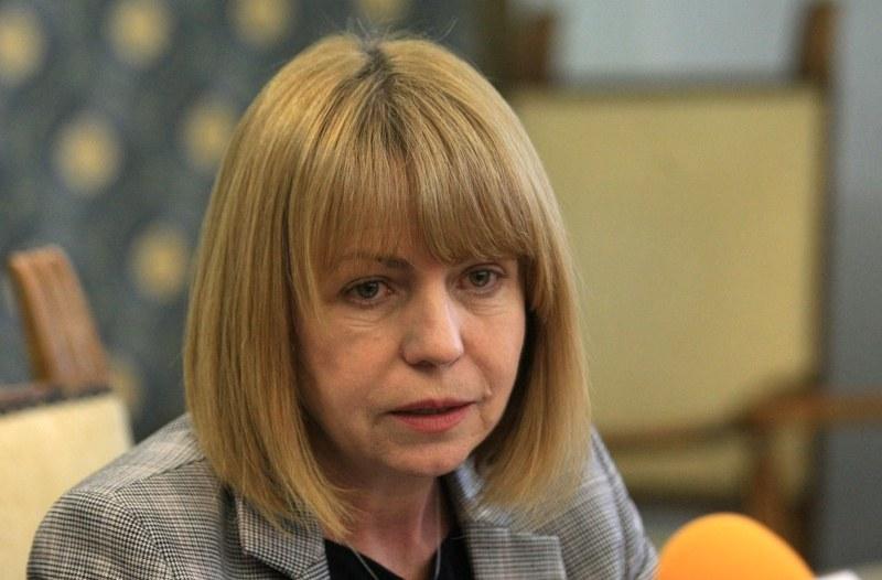 Фандъкова: Ако се наложи ще затворим молове и фитнеси