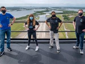 SpaceX: Учител по природни науки и инженер спечелиха билетите за полет в орбита
