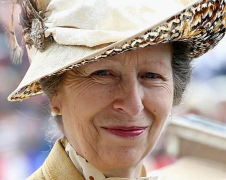 Колин Кембъл: Принцеса Ан коментирала цвета на кожата на Арчи, но думите ѝ били извадени от контекста