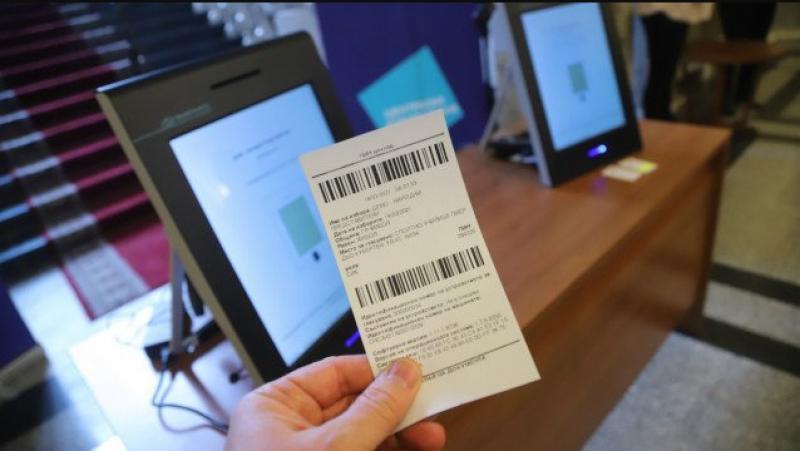 Избирател подаде два гласа заради повреда на машина в Русе