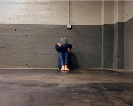 Брутална гавра с 14-годишен: Тийнейджъри блудстват със съученик, хвалят се в мрежата