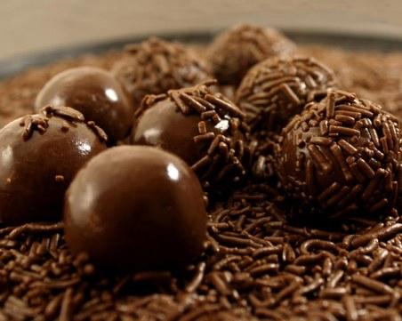 Чийзкейк под формата на топчета - само от четири съставки и без печене
