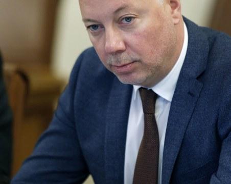Министър Желязков: Още този месец държавата ще получи 660 млн. лв. от концесията на Летище София