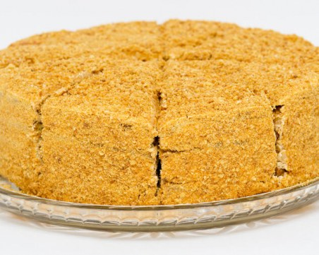 Постна медена торта: Десерт, който ще запомните