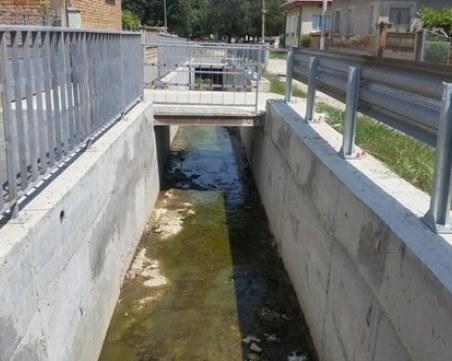 Нов инцидент! Дете падна в отводнителен канал във Варна