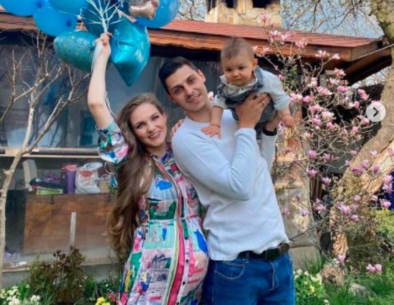 Радост в село Юнаците! Мис България 2013 чака второ момче