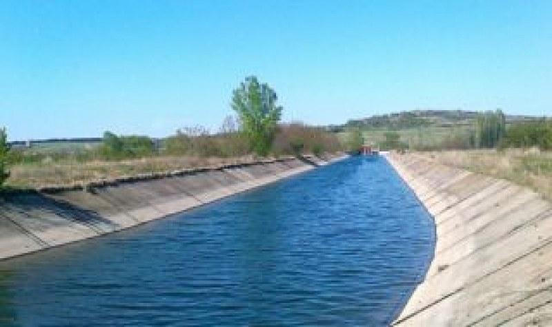 Язовир Тополница достигна контролен обем, подготвят напоителните канали