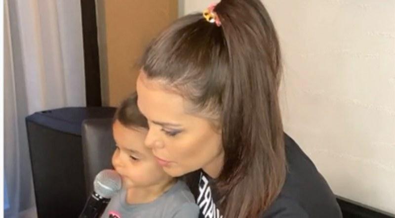 Домашно видео на Преслава и малката Паола се превърна в хит в мрежата