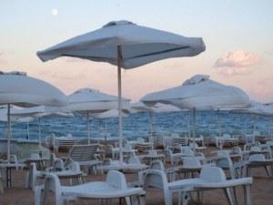 Премахват преместваеми обекти в нарушение по родните плажове