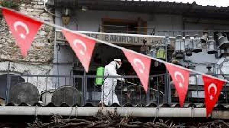 Турция регистрира рекорд по заразени и починали за 24 часа