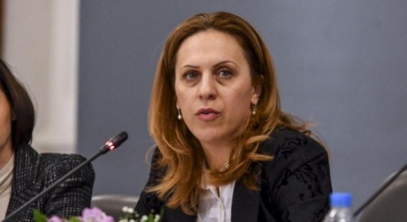 Николова: Мога да бъда полезна като експерт и в новия кабинет