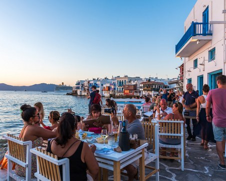 """Над 60 гръцки острова в програма """"Остров без Covid"""