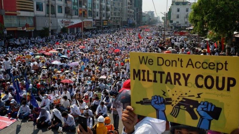 Хунтата на Мианмар освобождава над 23 000 затворници, задържани заради протестите