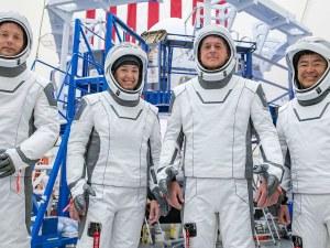 SpaceX на Илон Мъск спечели договор за милиарди на NASA, изпращат хора на Луната