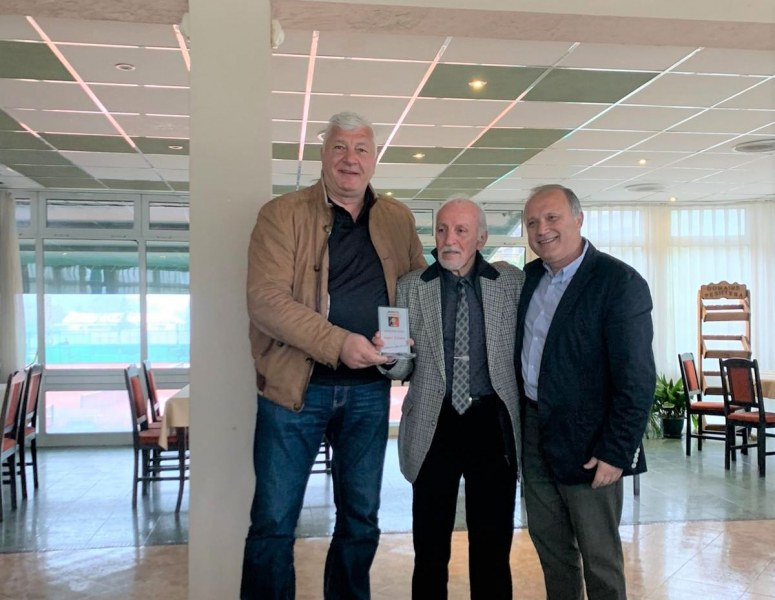 Здравко Димитров връчи награди в тенис клуб