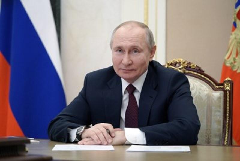 Над 70 знаменитости поискаха Путин да предостави медицинска помощ на Навални